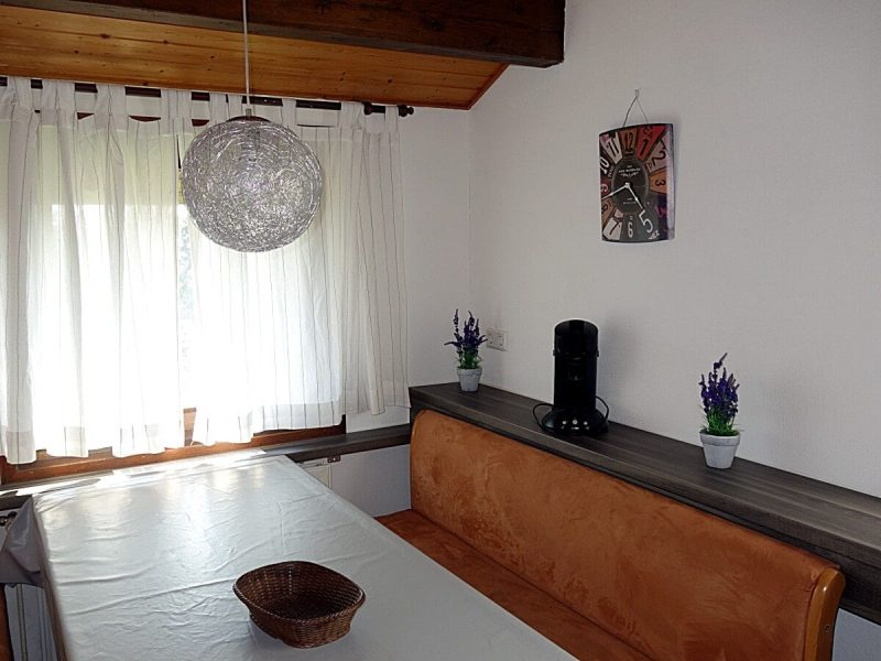 Gemütliche Sitzecke Essplatz Haus Mohnblume Haus 93 im Feriendorf Öfingen